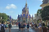 "Mickey guarda ""sana distancia"" en reapertura de Disney World"